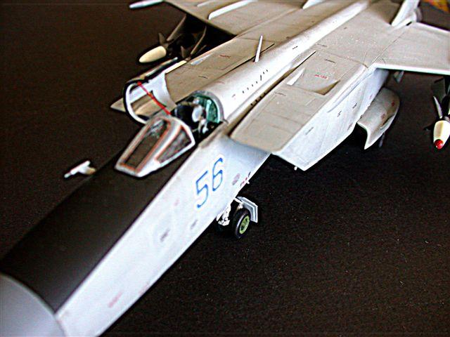 scalespot.com - On The Bench - Kittyhawk 1/48 MiG-25 Foxbat E ...